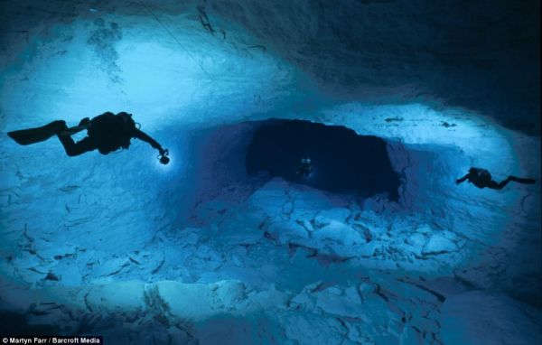 cave-diving (3)
