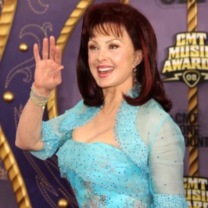 Naomi Judd Plastic Surgery: Looking 30 Years Younger