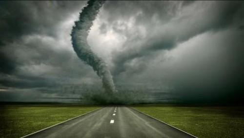 23 Photos Of Devastating Tornadoes (15)