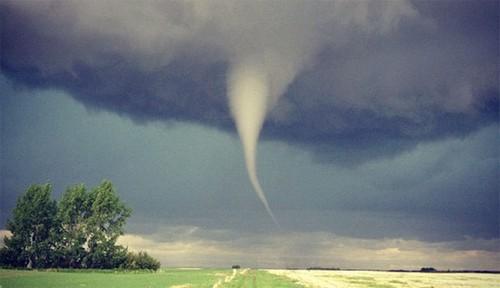 23 Photos Of Devastating Tornadoes (23)