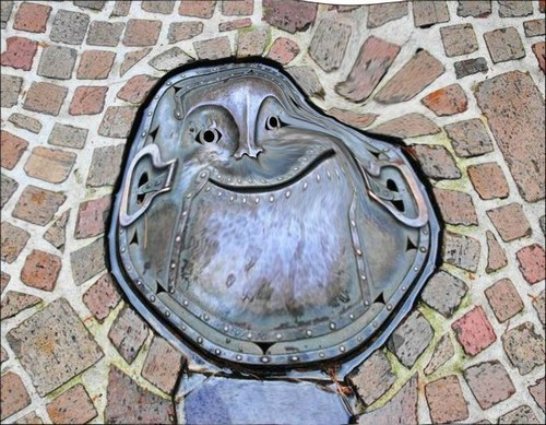 25 Most Artistic Manhole Covers (12)