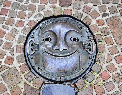 25 Most Artistic Manhole Covers (14)