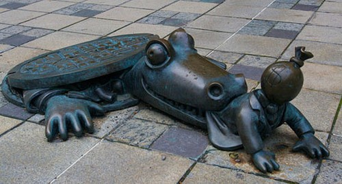 25 Most Artistic Manhole Covers (4)
