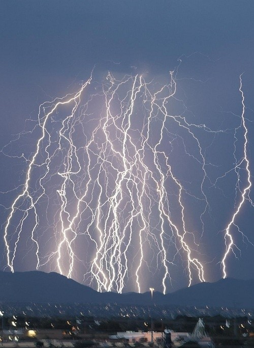 Staggering Photos Of Lightning (7)