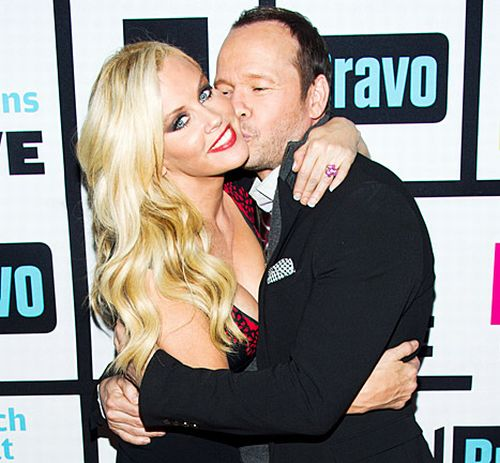 jenny mccarthy dating Jenny mccarthy body measurements and net worth  jenny she will then make  jenny mccarthy dating jenny mccarthy dated actor john asher and engaged to him in.
